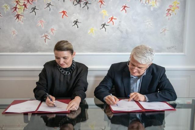 Promotion des artistes et de la culture albanaise dans le monde / accord signé