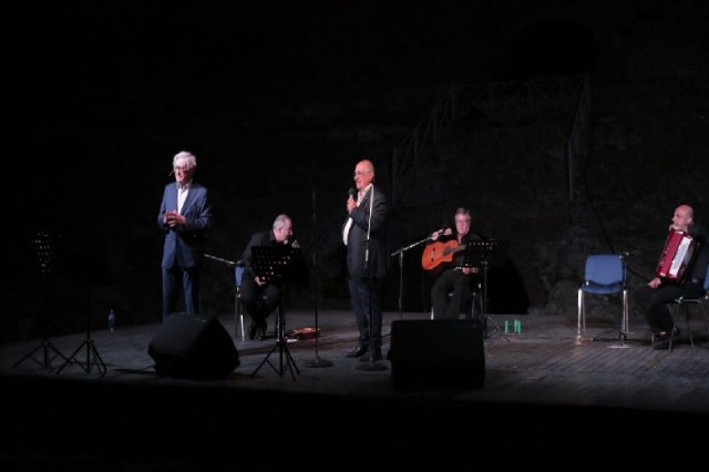 Neapolitan song came for two consecutive evenings in the ancient amphitheater of Durrës