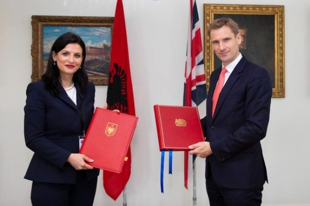Albania and Great Britain sign the agreement for the transfer of prisoners