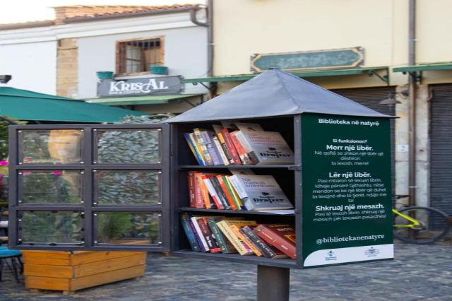 Biblioteca a aperto, giovani di Korça invito per abbracciare mondo della letteratura
