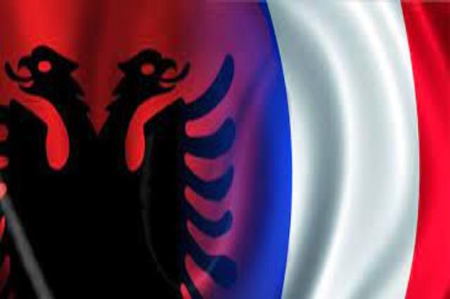 Der albanische Parlamentspräsident, Gramoz Ruçi, gratuliert dem Präsidenten der  nationalen Vollversammlung Frankreichs, Richard Ferrand