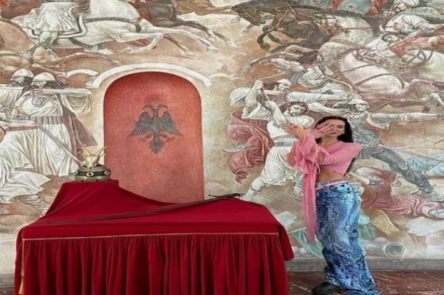 Dua Lipa, srećna što je posetila Albaniju, deli najlepše fotografije sa 69 miliona pratilaca