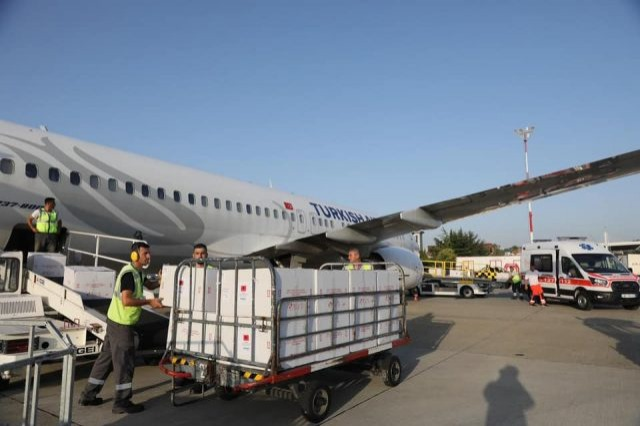 340,000 doses of the CoronaVac vaccine arrive at Rinas airport
