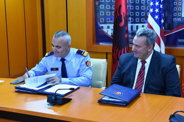 General Director of State Police Veliu signs 2 important documents with representatives of Homeland Security and the US Embassy
