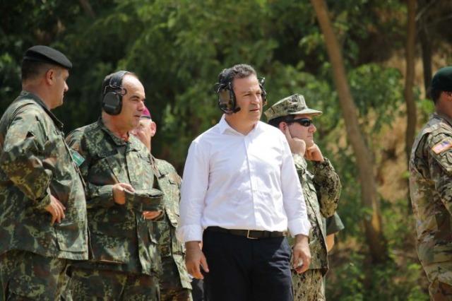 Gemeinsame Ausbildung amerikanischer und albanischer Soldaten in Zall-Herr