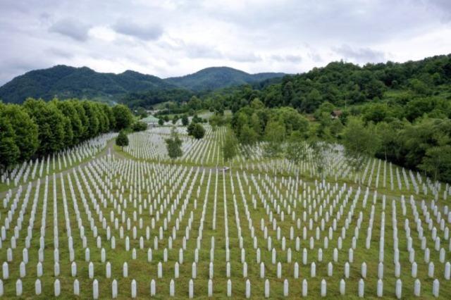 Google i Tvitter uklonit će svaki sadržaj koji negira genocid u Srebrenici