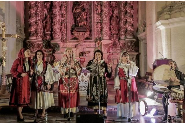 Galatone, Le sorelle Gaballo e Redi Hasa per il festival itinerante della Notte della Taranta
