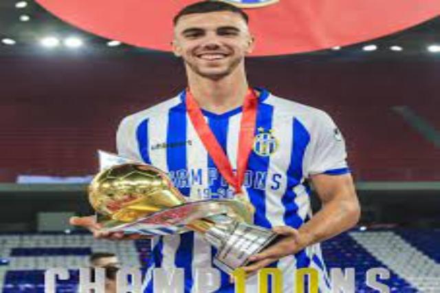 Ein weiterer Spieler vom Sportklub Tirana, der Teil von Legia Warschau wird