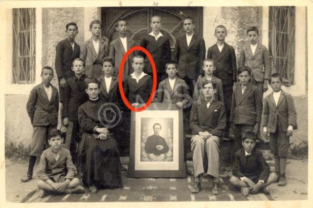 En ünlü Arnavut futbolculardan biri olan Loro Boric'in doğumunun 99. yıl dönümü