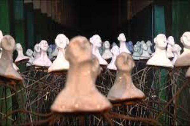 Exodus of Albanians through ceramics; Italian artist Nicola Genco installs 'Promenade' in Bunk'Art 1