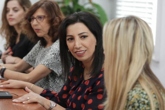 Die albanische MInisterin für Schulbildung, Jugend und Sport, Evis Kushi traf sich mit  Diplomaten in Tirana