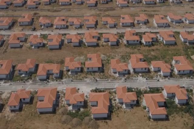 """Der Regierungschef Rama veröffentlicht Bilder aus dem neue Nachbarschaft """"Rilindja"""" in Fushë-Krujë: 1200 Einwohner werden in wenigen Monaten die neuen Häuser beziehen"""