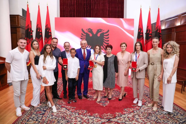 """Meta awards """"Honor of the Nation"""" decoration to Kosovar judokas: Examples of inspiration for young athletes, raised national pride!"""