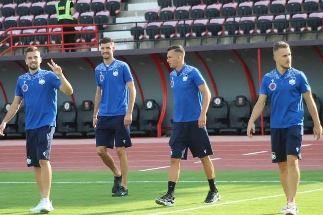Teuta Durrës hat den Superpokal gegen Vllaznia Shkodraa 3 zu 0 gewonnen