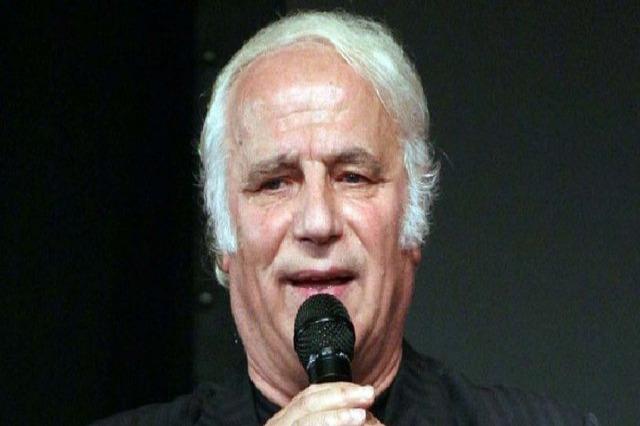 Şarkıcı Sherif Merdani'nin vefat etmesi nedeniyle, ülkenin yetkililerinden taziye mesajlar yayınladı