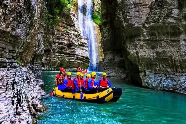 Frankreich 3: Albanien, ein Urlaubsziel zur Auswahl
