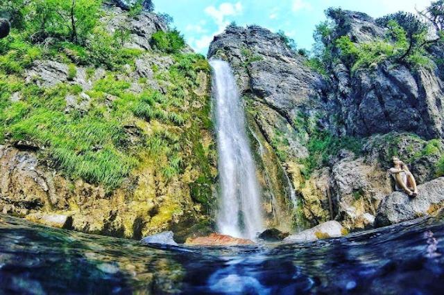 Scoprire le bellezze dell'Albania, la cascata Grunas
