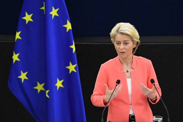 La présidente de la Commission européenne, Von der Leyen, en visite à Tirana le 28 septembre