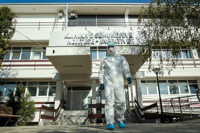 Kosovo, 28 žrtava COVID -a, preko 900 zaraženih u roku od 24 sata