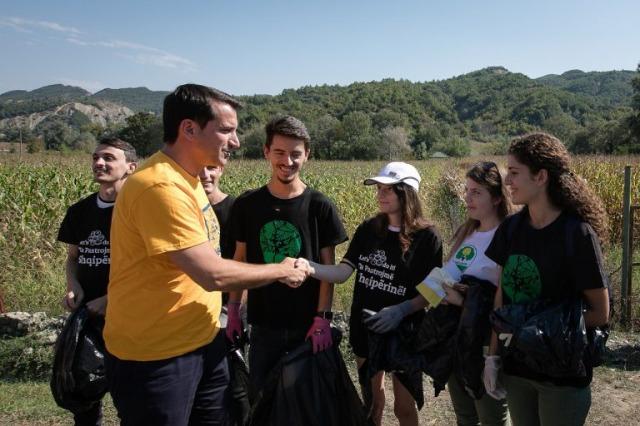 Das Rathaus Tirana nimmt an dem Welttag für saubere Städte  am Samstag an einer großen Aktion teil