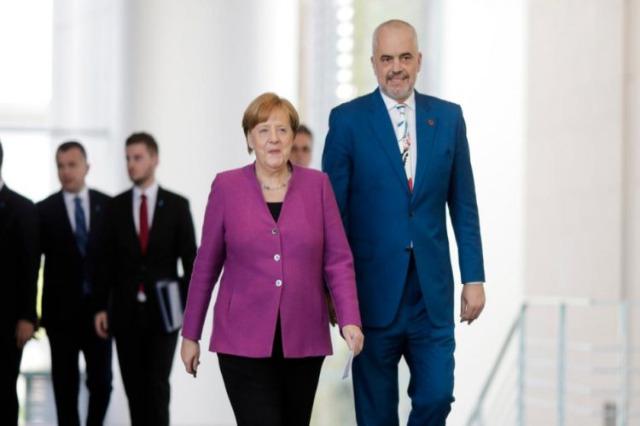 Merkel domani a Tirana