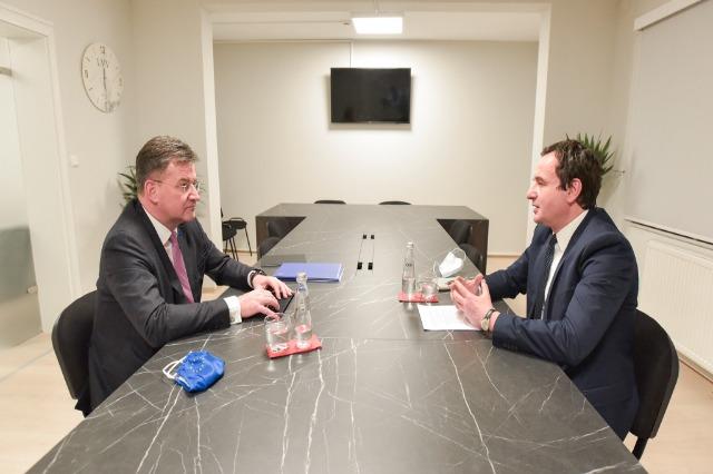 Lajçak au Kosovo, rencontre avec Kurti :