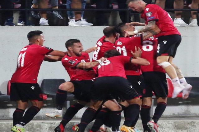 Albanien besiegt Ungarn 1:0