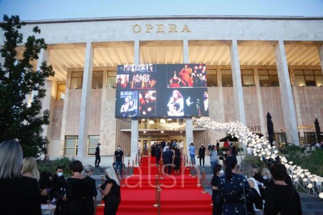 """""""Grand Gala"""" / Ulusal Opera ve Bale Tiyatrosu'nun yeniden inşa edilen binası kapılarını açıyor"""