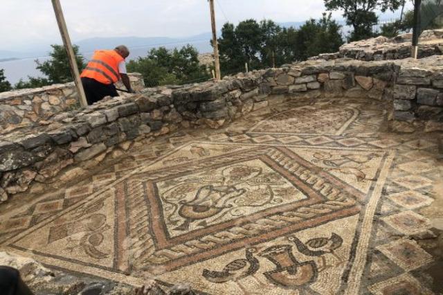 Dopo restauro, aperto mosaico di Lin