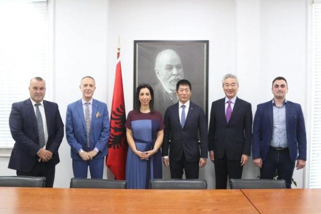 Kushi traf sich mit den Präsidenten des Weltturnverbandes: Kooperation zur Weiterentwicklung des Turnens in Albanien