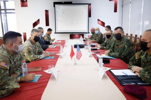 Der US-Generalmajor Joseph Jarrard in Tirana dankt Rama für die Führung der Afghanistan-Frage