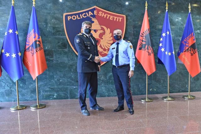 Der Generaldirektor der albanischen Staatspolizei, Ardi Veliu, empfing eine  hochrangige Polizeidelegation aus der Tschechischen Republik