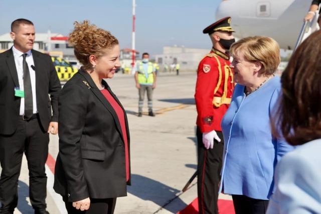 La chancelière allemande Angela Merkel  arrive à Tirana