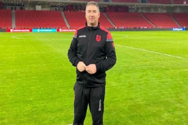 Arnavutluk milli takımının tanınmış fizyoterapisti Ylli Mihali 55 yaşında hayatını kaybetti
