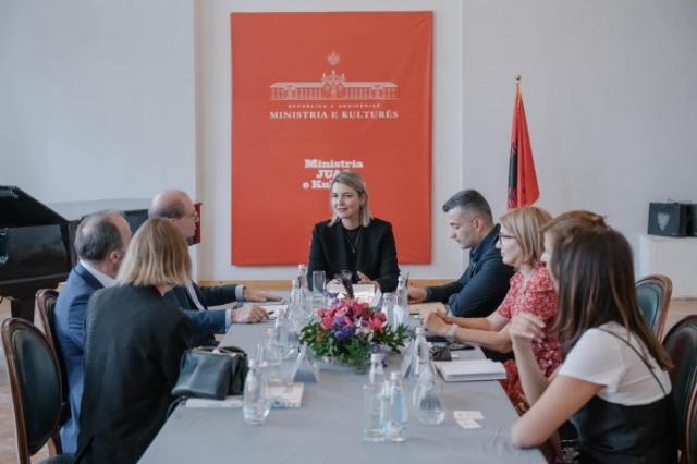 Margariti à Paris : les artistes albanais sur la scène internationale de l'art contemporain