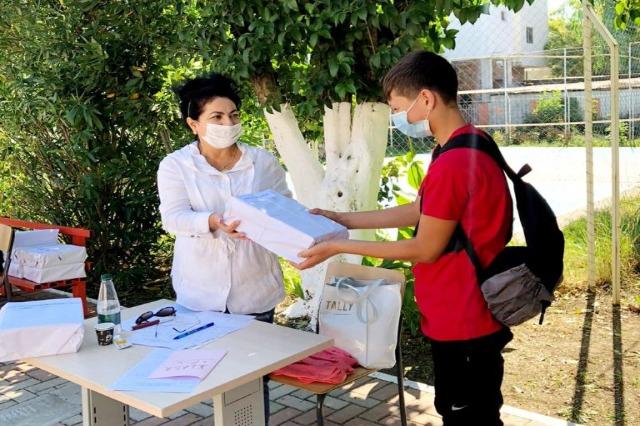 280 000 albanische Schülerinnen und Schüler erhalten die Lehrbücher kostenlos