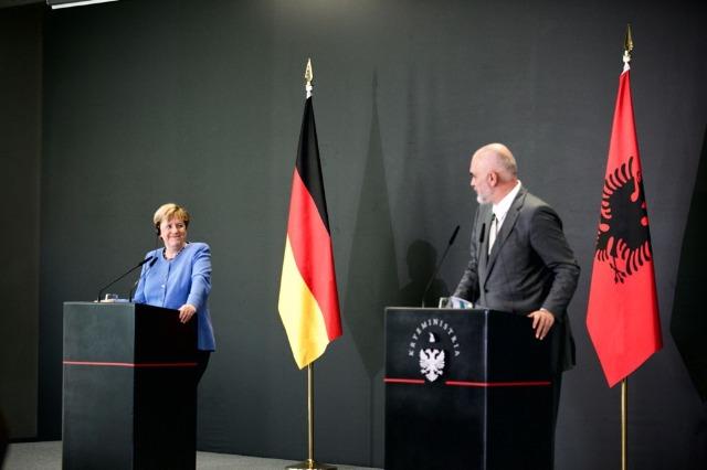 Die deutsche Bundeskanzlerin Angela Merkel in Tirana: Mein Herz schlägt für diese Region