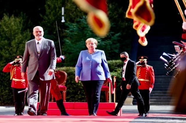 Edi Rama et Angela Merkel  réunion en tête à tête à Tirana