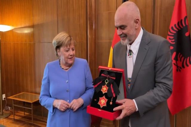 Pm Rama awards the ''Star of Gratitude'' to Chancellor Merkel