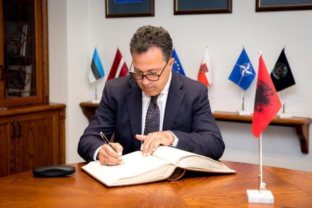 Arnavutluk, Güvenlik ve Savunma çalışmaları için kıdemli kurs düzenliyor
