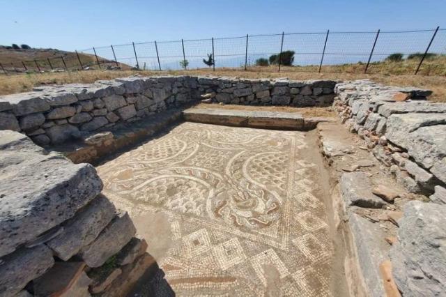 1000 m2 mosaico, parco archeologico di Bylis attira attenzione di esperti di archeologia