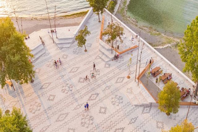 'Tappeto albanese' a Shiroka vince Loop Design Awards
