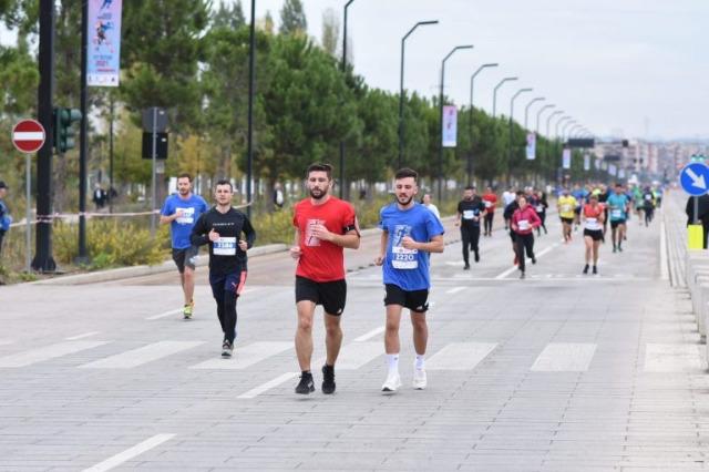 Tiran Maratonu düzenlendi