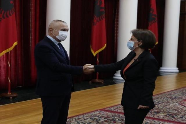 Die  Vizeministerpräsidentin und Außenministerin von Kosovo, Donika Gërvalla, hält sich zu einem Besuch in Albanien auf