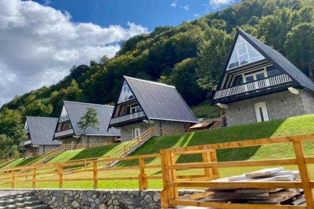 Das Dorf Vermosh - eine touristische Attraktion  in Nordalbanien
