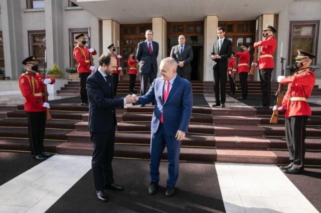 Der albanische Staatspräsident, Ilir Meta, empfing den neuen spanischen Botschafter
